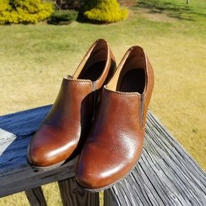 B.O.C.  Born Concepts leather slip on booties